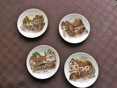 'old Coach House'  -- Collectable Display Plates