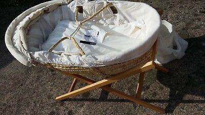 Mamas and Papas Baby portable Bassinet Moses basket hooded beige with stand