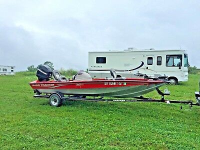 Bass Tracker 190 TX Top of the Line Pro Team boat. Salvage No issues Low reserve