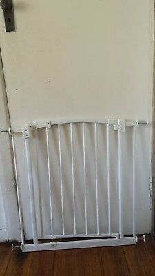 Perma baby safety gate good condition