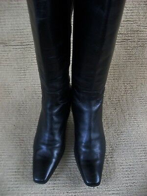 EXC  LILIAN IMPORTED  (Italy) BLACK LEATHER KNEELENGTH BOOTS. SZ 41 - 9.5.