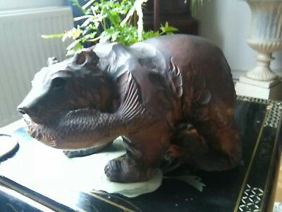 Large Vintage Hand Carved Wooden Bear With Fish black Forest ? 20×30×16cm