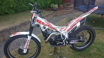 BETA EVO 300 2 Stroke Trials Bike