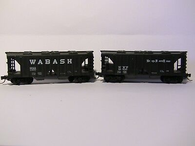 N Scale - 2 x 40' Covered hoppers - WABASH & NICKLE PLATE with MTL couplings