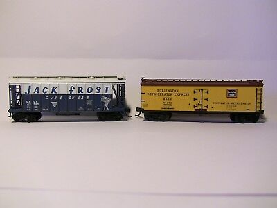 N Scale - 2 Freight cars ( JACK FROST SUGAR) & BURLINGTON REEFER with MTL bogies