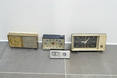 Lot of 4 Vintage clocks / clock radios Japanese. Citizen. Spares or Repairs
