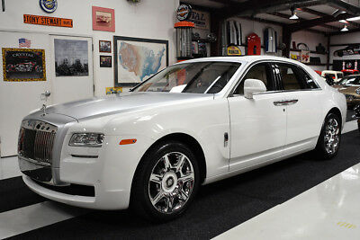2014 Rolls-Royce Ghost GHOST BESPOKE PANORAMA ROOF CHROME WHEELS PICNIC CLEAN CARFAX SERVICED 7228 MILES CHROME WHEELS PAINTED CENTER CAPS PANORAMA ROOF