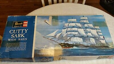 Revell Cutty Sark Model Kit 1/96 scale 1969 with original instructions