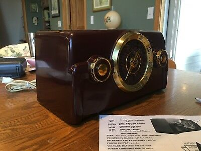 1950 Crosley 10-138 Maroon And Gold Radio