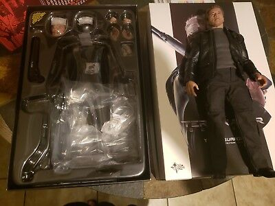 Terminator Hot Toy Sideshow Collectibles 1/6 Scale MMS307 Arnold Schwarzenegger