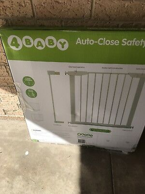 4 Baby Auto Close Safety Gate