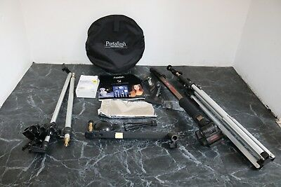 Photo lighting accessories, gold, silver, white reflectors, light stand, monopod