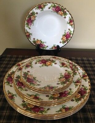 "Royal Albert ""Old Country Roses"" Beautiful 10 Piece Set. Excellent Condition"