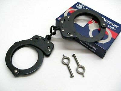 Smith & Wesson S&W Chain Link Model 100 Blued Black Handcuffs + Keys 350101
