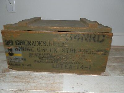 WW2 US ARMY 42 Dated Yellow Smoke Grenade AMMO Box (Heavy)