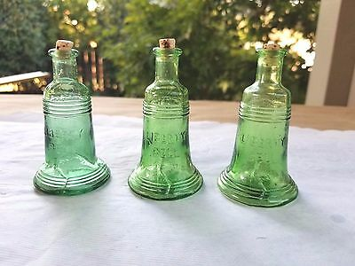 "Collectable 3"" Green Glass Miniature  LIBERTY BELL Bottle  - Made in Taiwan"