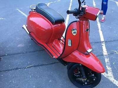scomadi scooter TL with vespa gts 300 engine fitted