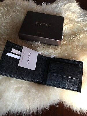 dd5889af232  450 NWT 100% Authentic Gucci Mens Black Leather Bifold Wallet G Logo