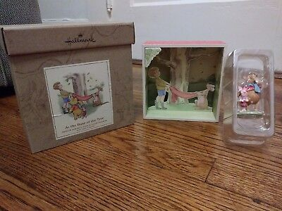 Hallmark At The Base Of The Tree Shadow Box With Pooh & Piglet Figurine *NWB*