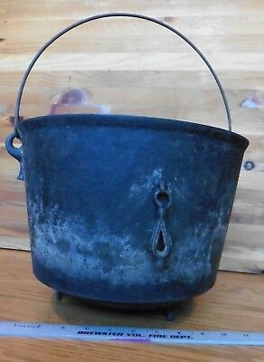 XL Vtg Cast Iron Footed Dutch Oven 6 or 9 Cook Camp bean Pot Handle round bottom