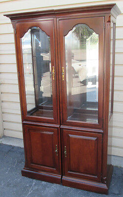 57736 -T1 Pair of Cherry AMERICAN FURNITURE Lighted Curio Cabinet Bookcases USA