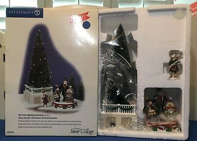 Dept 56 Snow Village The Tree Lighting Collection 55104 NEW