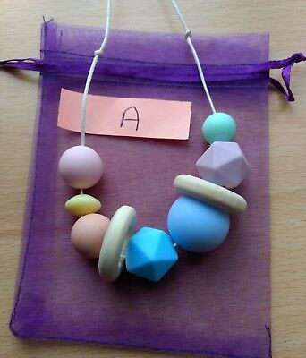 Nursing feeding necklace baby soother tactile silicone wood (A)