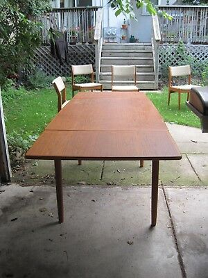 DANISH MODERN TEAK Dining Table Draw Leaf Mid Century Modern VINTAGE - Danish modern dining table with leaves