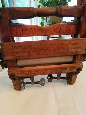 Vintage Anchor Brand Clothes Wringer Hand Crank in Original Condition. REDUCED!