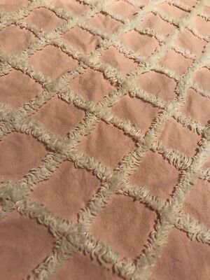 """Vintage Chenille Bedspread Fabric Piece Pink And White Cotton 22""""x22"""" FQ"""