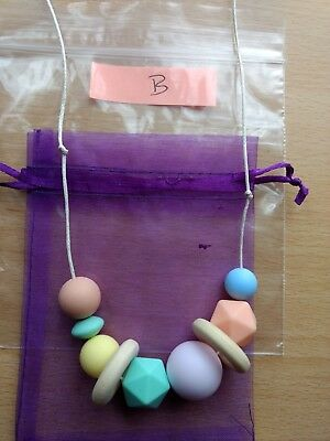 Nursing feeding necklace baby soother tactile silicone wood (B)