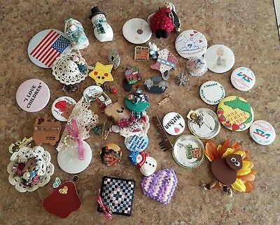 Mixed Lot Of Pins Buttons Used Very Nice