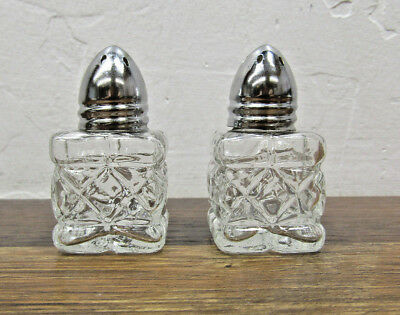 """Vintage Adorable & Beautiful Crystal Glass Small Salt & Pepper Shakers 1"""" x 1"""""""