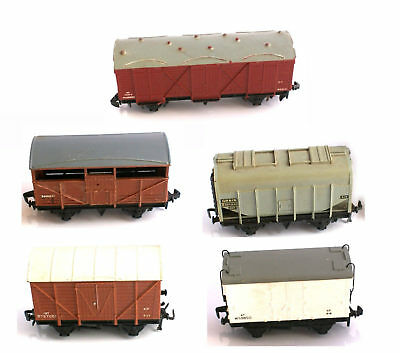 1x Hornby Dublo MEAT GRAIN or REFRIGERATED WAGON 2-rail, unboxed, var condition