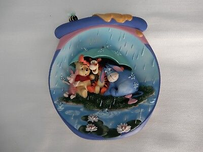 """Winnie the Pooh 3D Plate """"It's Just a Small Piece of Weather"""""""