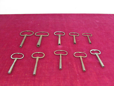 set of 10 keys for clocks clocks