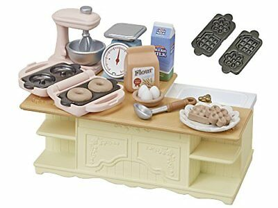 New Epoch Calico Critters Families island kitchen