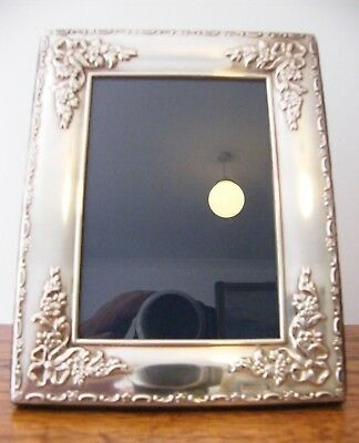 "A HALLMARKED SHEFFIELD 1994 SOLID SILVER PHOTO PICTURE FRAME 7"" x 5.5"" INCHES"
