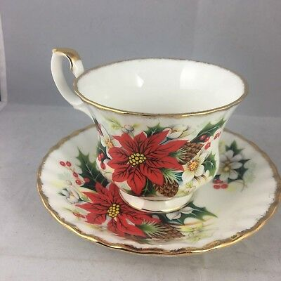 Royal Albert Yuletide Poinsettia Teacup Cup & Saucer Excellent!