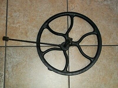 Antique Singer Treadle Sewing Machine Cast Iron Fly Wheel with Pitman Arm