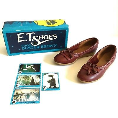 Vintage E.T. Shoes From Buster Brown w/ Trading Cards - Girls Size 3B - 1982