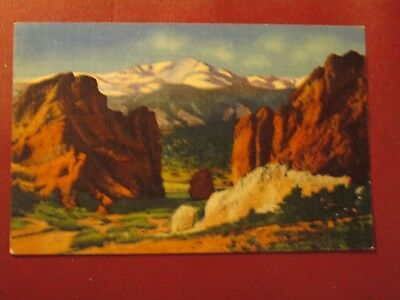 A370 Vintage Postcard Pikes Peak Gateway of the garden of the Gods