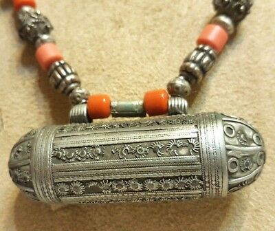 Vintage Antique Old Yemenite Bedouin Tribal Ethnic Coral Silver Necklace N29