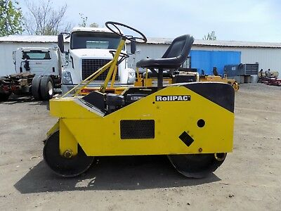 Rollpac 21 Compactor / Double Drum / Pneumatic / 9HP Robin Gas Engine