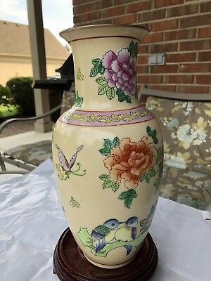 "12""Antique Chinese Famille Rose Porcelain Vase with Flowers&Birds"