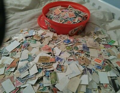 Huge job lot of VINTAGE Stamps  WORLD+GB mixture!!