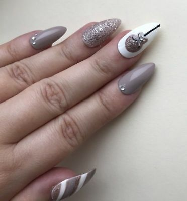 Hand Painted False Nails STILETTO Full Cover - Christmas - Bauble Nude Gold Xmas