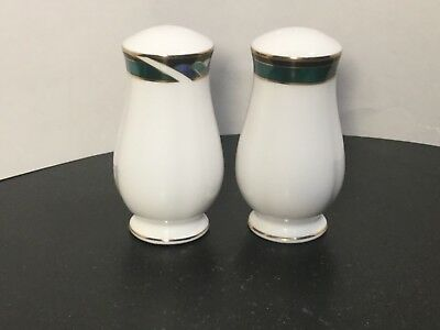 Lenox - Kelly - Salt & Pepper Shakers - NEW - with TAGS