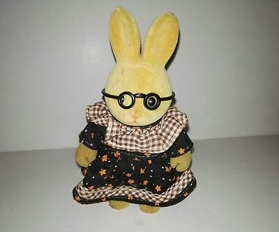 Forest Families Rabbit (doe)With dress and glasses (Barenwald Sylvanian Families