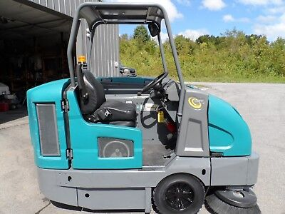 Tennant S30 sweeper L.P. Totally Serviced very low hrs. 430, Mitsubishi Eng.